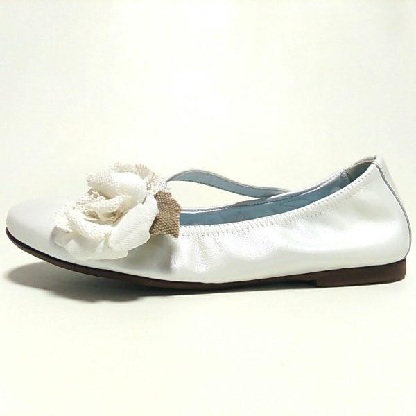 mercedita blanca papanatas