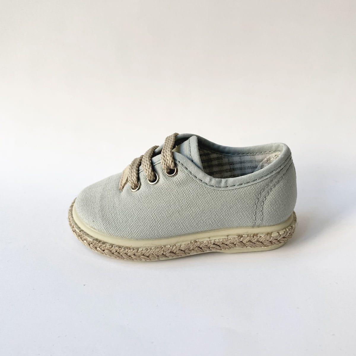 ef3bc4ce Comprar zapatillas de Piqué Gris para niño. Click to enlarge.  InicioNuestras MarcasVulpeques Zapatillas Piqué Gris Yute Cordones