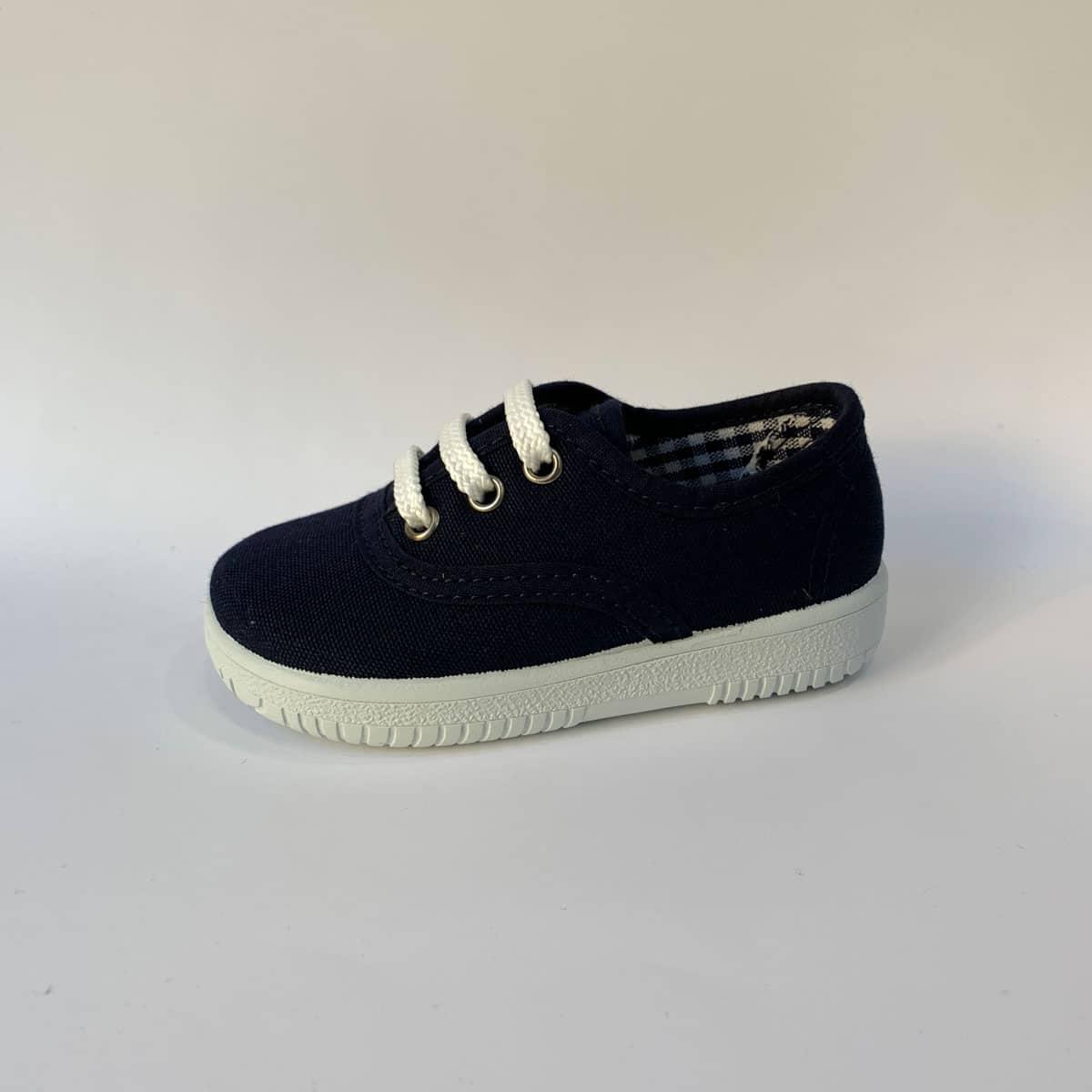 d1055a0c0 Zapatillas de lona azul marino niños · Zapatillas Marino Lona cordones  Vulpeques