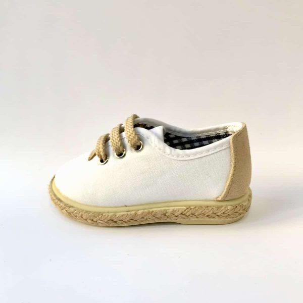 Zapatillas blancas niño para bodas
