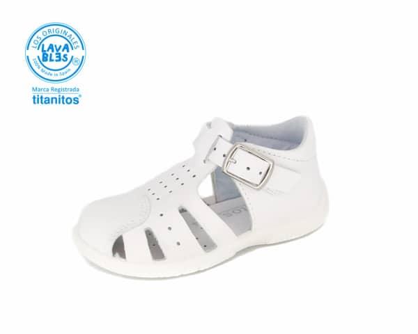 sandalia cerrada blanca preandante niño en piel lavable Titanitos