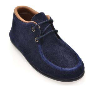 zapato de serratex en color marino con cordones marca Chuches